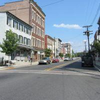 Main Street, Истон