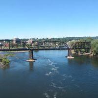 Delaware River, Истон