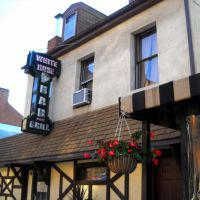 White Rose Bar & Grill, near the Historic Lincoln Highway, 48 North Beaver Street, York, PA 17401-1305, Йорк