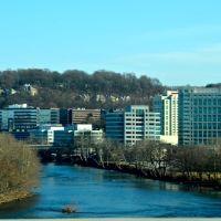 Schuylkill River in Conshohocken, PA, Коншохокен