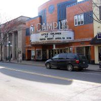 Campus Theatre, Линнтаун