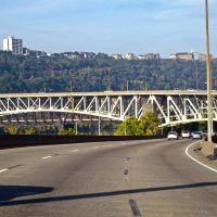 Skirting Pittsburg on I-376, Маунт-Оливер