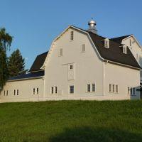 White Barn, Пайнт