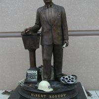 Albert Boscov Statue, Ридинг