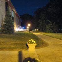 UPJ at Night, Скалп-Левел