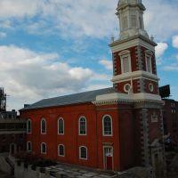 St. Augustine RC Church from Ben Franklin Bridge Walkway, Филадельфия