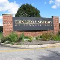 Edinboro University of Pa, Edinboro, PA - ENTRANCE US RT.6, Эдинборо