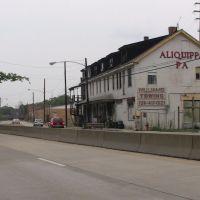 Aliquippa Route 51 exit, Экономи