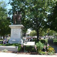 Erie PA - parque Perry Sq - monumento a los caídos en la guerra civil [ago 13], Эри