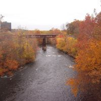 Court Street bridge river view in Autumn, Вунсокет