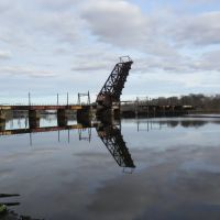 The old railroad bridge over the Seekonk River, connecting Providence, RI & East Providence, RI, Ист-Провиденкс