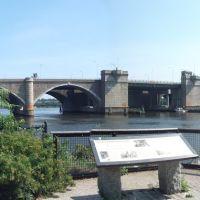 Washington Bridge, Ист-Провиденкс