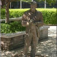 O. Henry Statue, Гринсборо