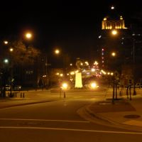 Nathanael Greene statue in new traffic circle and downtown Greensboro backdrop at night, 1-13-10, Гринсборо