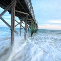 Below the pier at Holden Beach, NC, Джексонвилл