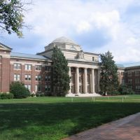 Davidson College, Корнелиус
