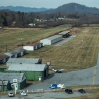 Hendersonville County Airport in North Carolina - Landing Approach, Маунтайн-Хоум