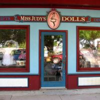 Miss Judys Dolls, Моксвилл