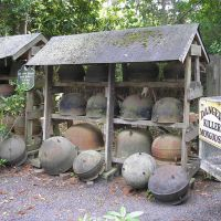 Largest private collection of wash pots: Gulleys Nursery, Саутерн-Пайнс