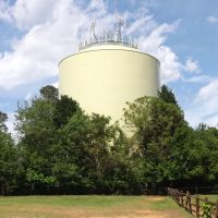 Southern Pines Water Tank On the Hill---st, Саутерн-Пайнс