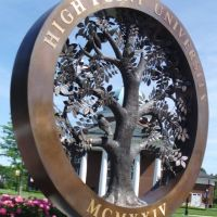 High Point University sculpture, Хай-Пойнт