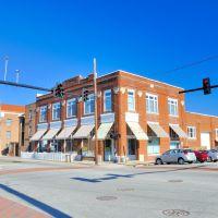 NORTH CAROLINA: ELIZABETH CITY: old Willis S. Wright Auto Company, 700 East Main Street, Элизабет-Сити