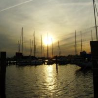 Pelican Marina @Sunset, Элизабет-Сити