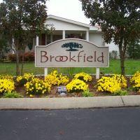 Brookfield Village, Алгуд