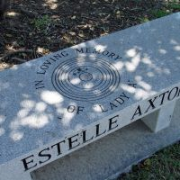 Co-Founder of Stax Records Estelle Axton Gravesite, Бартлетт