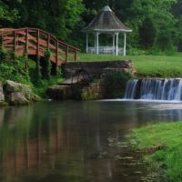 Milligan College Waterfall and Gazebo, Билтмор