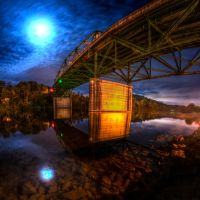 Bridge by Moonlight, Клинтон