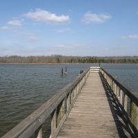 Pier at lake, Ла Вергн