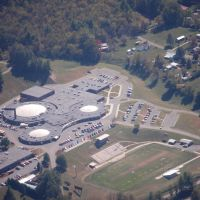 Johnson County High School by Kevin Parsons, Маунтайн-Сити