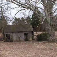 An old Well House. near the corner of Lovell Road and Middlebrook Pike, Ниота
