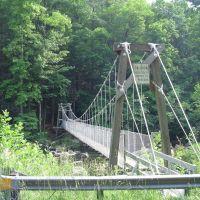 "Suspension foot bridge near ""The Pipeline"", Ниота"