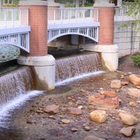 Water under the Bridge at the Worlds Fair Park in Knoxville, TN, Ноксвилл