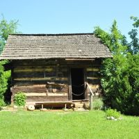 Anwine Cabin at Museum of Appalachia, Норрис