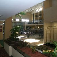 Inside the hotel, Рутерфорд