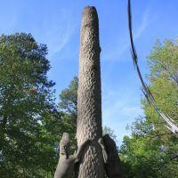 Coon Dog Cemetery Statue 1, Фингер