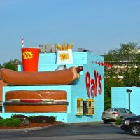 Pals Burgers & Dogs, Элизабеттон