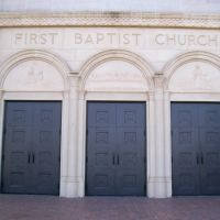First Baptist Church Doors, Абилин
