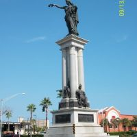 Statues and Columns, Галвестон