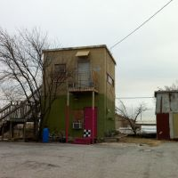 Artsy building next to the railroad, Denton, TX. January 2011., Дентон
