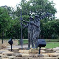 Centennial Park-Monumento en recordacion a los constructores de las vias ferroviarias-Irving-Texas, Ирвинг