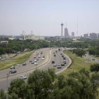 281 and Mulberry looking south, Олмос-Парк