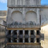 Olmos Dam Reservoir Gates, Олмос-Парк