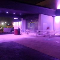 Outside Houston Privilege Club, Пайни-Пойнт-Виллидж