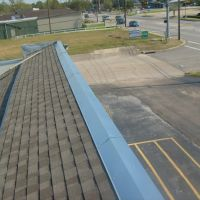 Kings Kids Shingle and Metal Repairs Broadway Street in Friendswood Texas, Пирленд