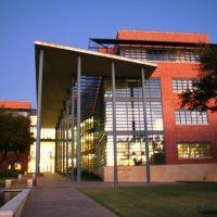 Trinity University, Пирсалл