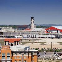 San Antonio International Airport, Пирсалл